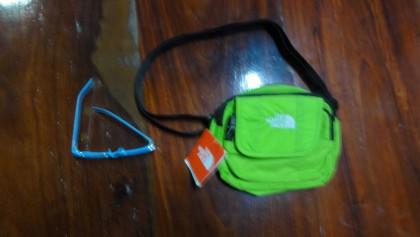 ขายกระเป๋า The North Face (รหัสสินค้า C = 550 บาท พร้อมส่ง)