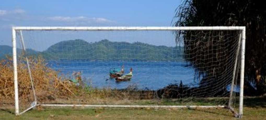 สนามฟุตบอลกลางทะเล เกาะจำ