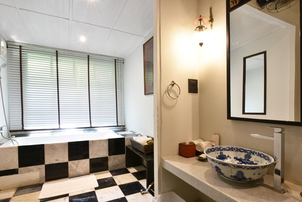 ห้องน้ำภายในห้องนอนห้องที่ 1 ของ home number 9