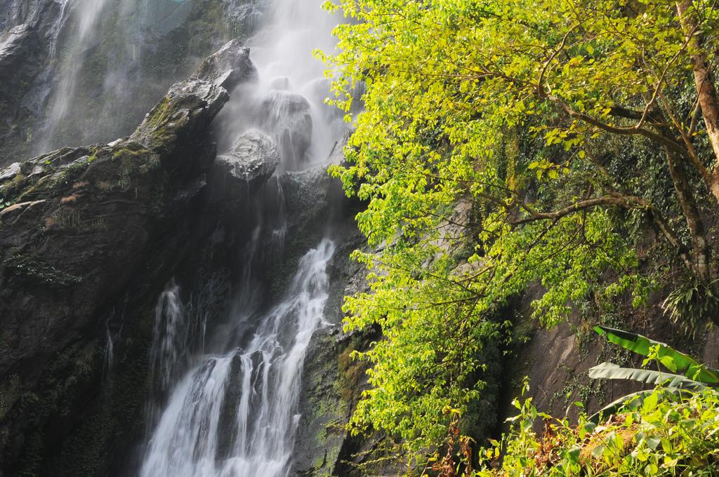 น้ำตกคลองลานกลางผืนป่าตะวันตก