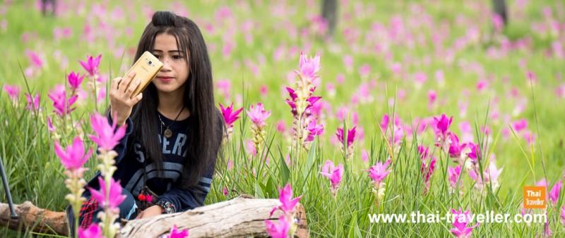 ดอกไม้ต้องคู่กับสาวน้อย