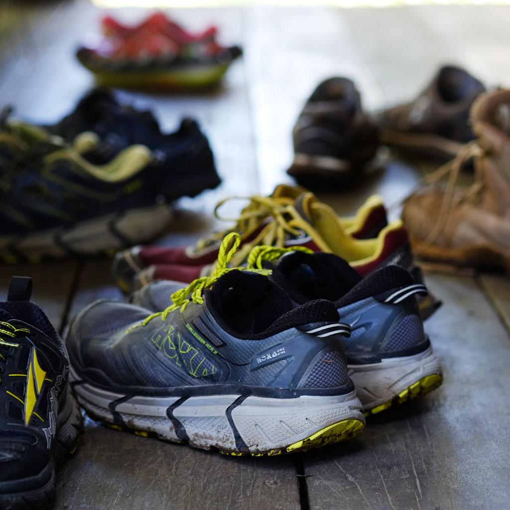นอกจากกำลังกาย หัวใจ สติ ความพร้อม รองเท้าคือสิ่งสำคัญที่ขาดเสียมิได้ (หาที่มันเหมาะกับเราและเราเหมาะกับมันนะครับ)
