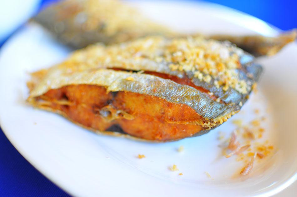 อาหารของ Tan Marina Bay เลิศรส โดยเฉพาะปลาสีเสียดทอดกระเทียมน้ำปลากินกับแกงส้มรสจัดถูกใจผมเป็นพิเศษ  | Tan Marina Bay
