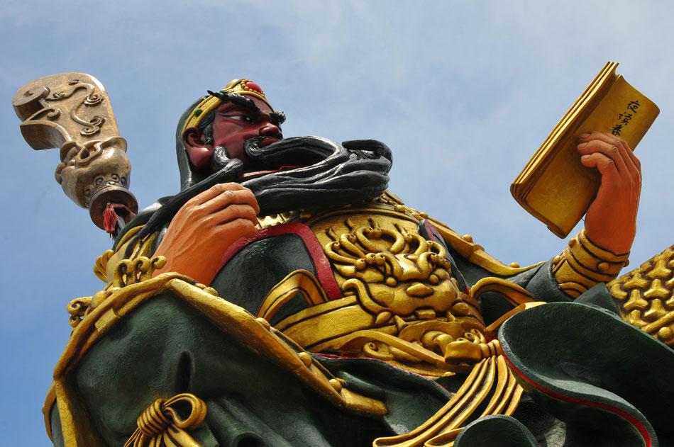 องค์กวนอูสูง 16 เมตร  ตัวศาลเจ้าทำเป็น 2 ชั้น | กวนอู เทพเจ้าแห่งความกล้าหาญ องค์ใหญ่ที่สุดในประเทศไทย