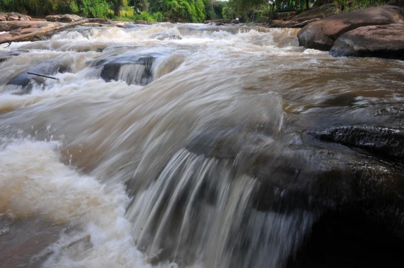 น้ำตกปลาบ่า ลำธาราแห่งสายน้ำสาน