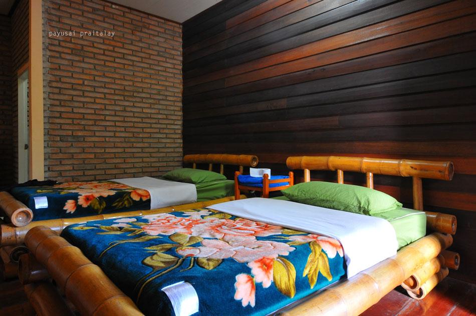 ห้องนอนแบบเตียงคู่บนบ้านหลังแรก | สวัสดีโฮมสเตย์ เมืองเชียงของ